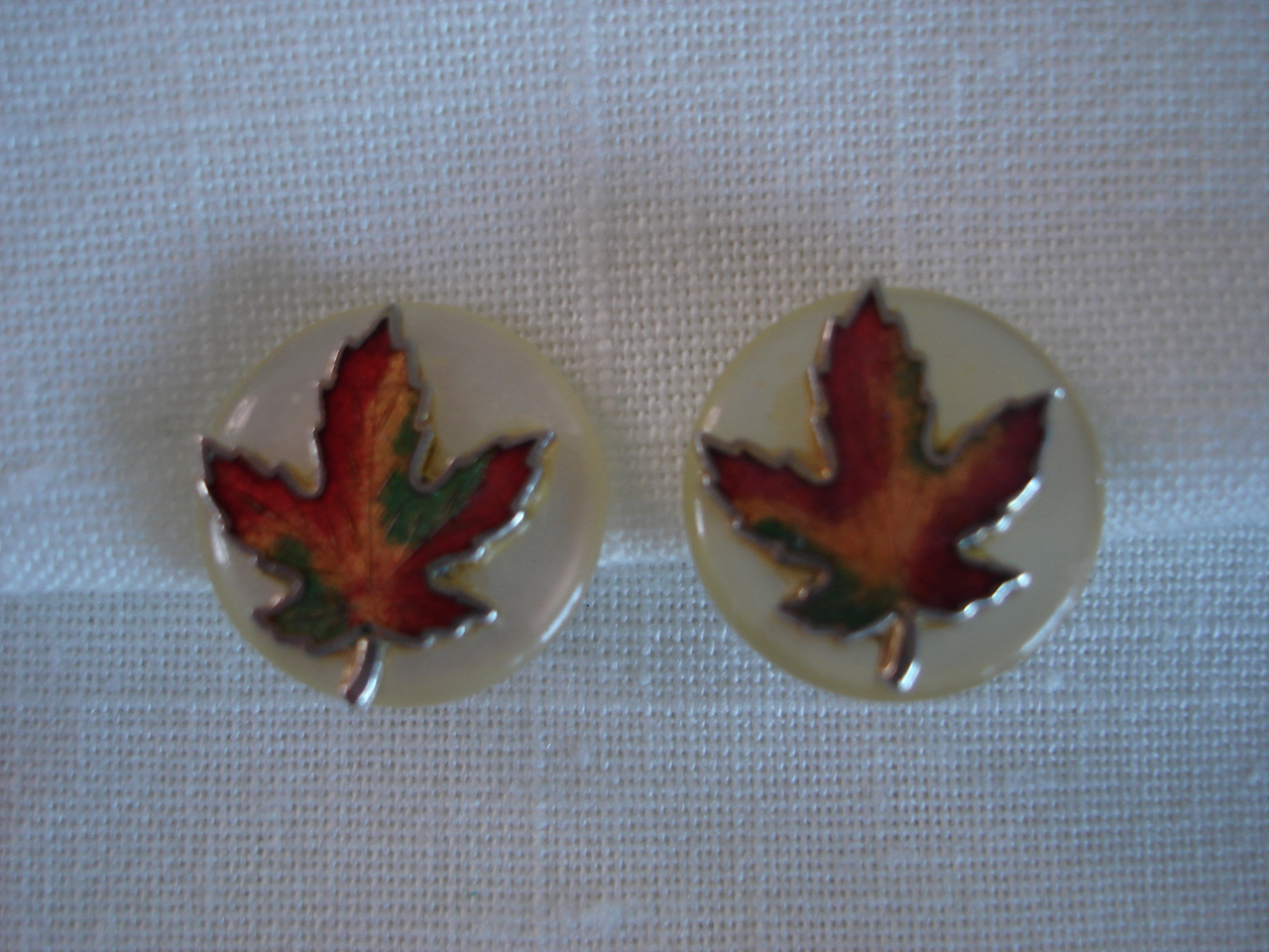 Vintage Canada Enameled Maple Leaf, Sim Pearl Disk Earrings