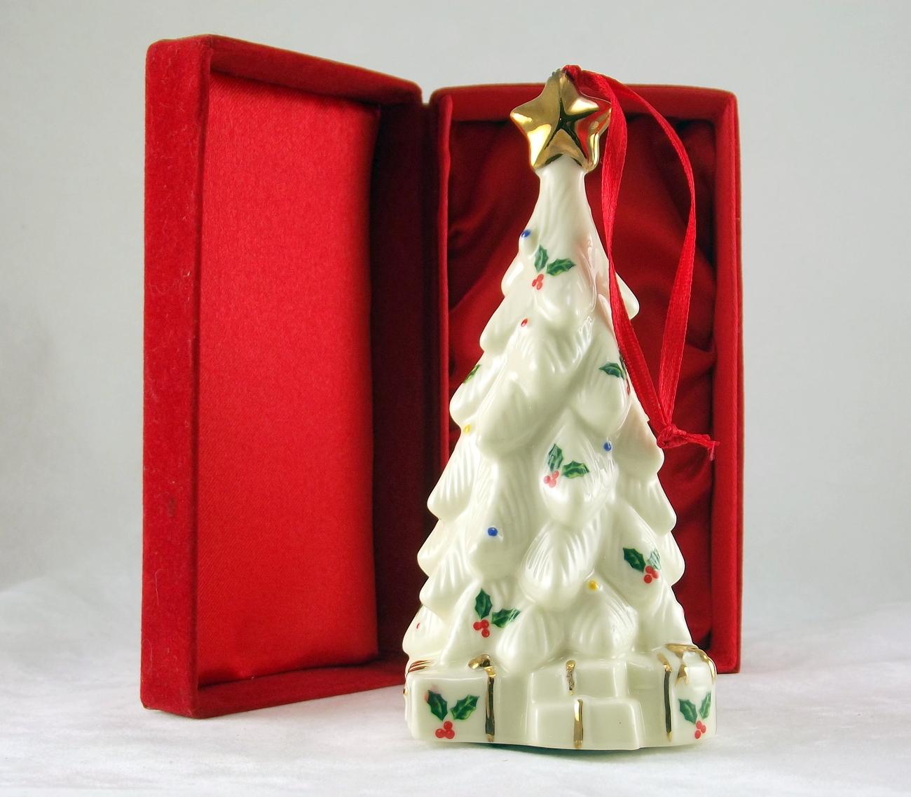 Madison and max xmas tree ornament 2