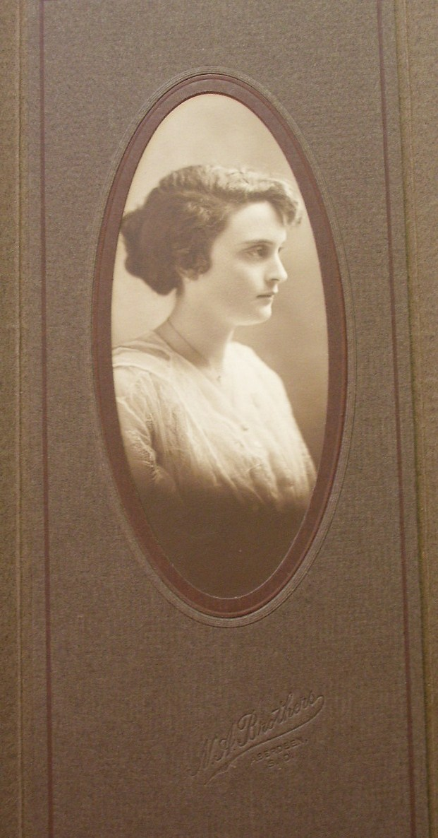Cabinet Card Photo Beauty #2 Folding Frame! c.1900-20!