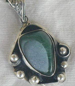 Green glass pendant phm 77