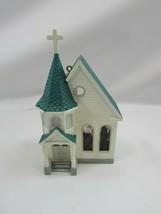 HALLMARK 1995 NOSTALGIC HOUSES AND SHOPS TOWN CHURCH ORNAMENT Vintage 32515 - $17.81