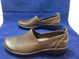 L.L. Bean Ladies Brown Casual Slip-on Shoes sz 9M image 2
