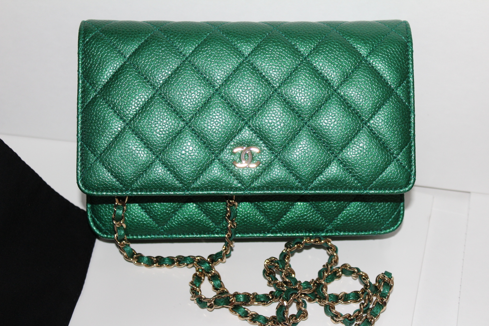 6d48ad3201b90a Img 2493. Img 2493. Previous. New Chanel Wallet on Chain Green Iridescent  Caviar Cross Body Bag 2018