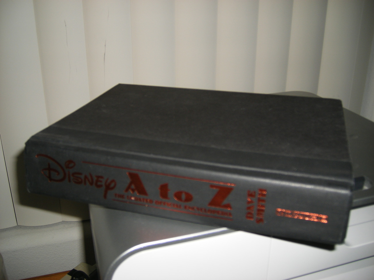 DISNEY A-Z 1996 Updated Official Encyclopedia