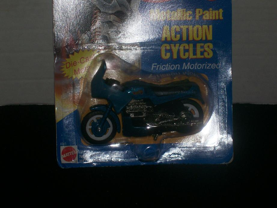 Hot Wheels Metallic Pain Action Cycles #8345 Blue