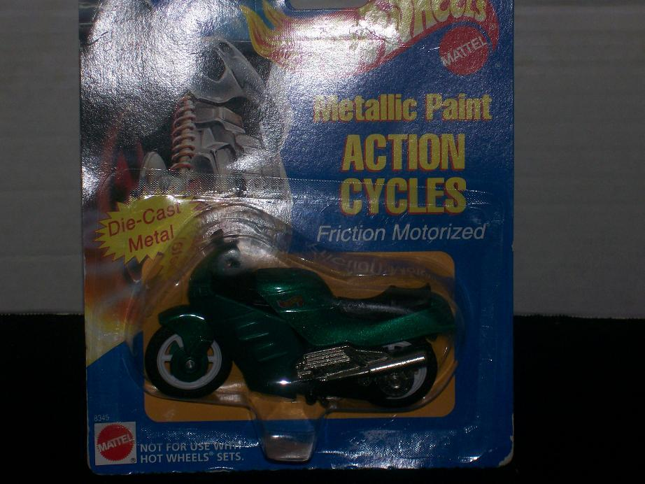 Hot Wheels Metallic Pain Action Cycles #8345 Green