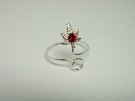 Sterling Silver Leaf Red Crystal Toe Ring - $7.00