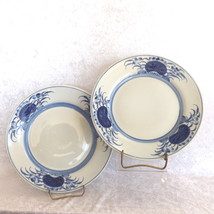"Dinner Plates 10"" Round Blue and White One Pair (2) Unbranded No Mark - $21.99"