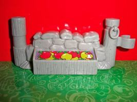 Fisher Price Little People Farm Gray Fence Food LKNEW - $3.49