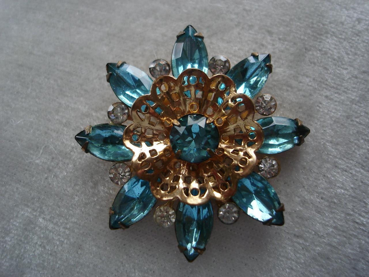 Vintage Blue Topaz Rhinestone Goldtone Filigre Brooch