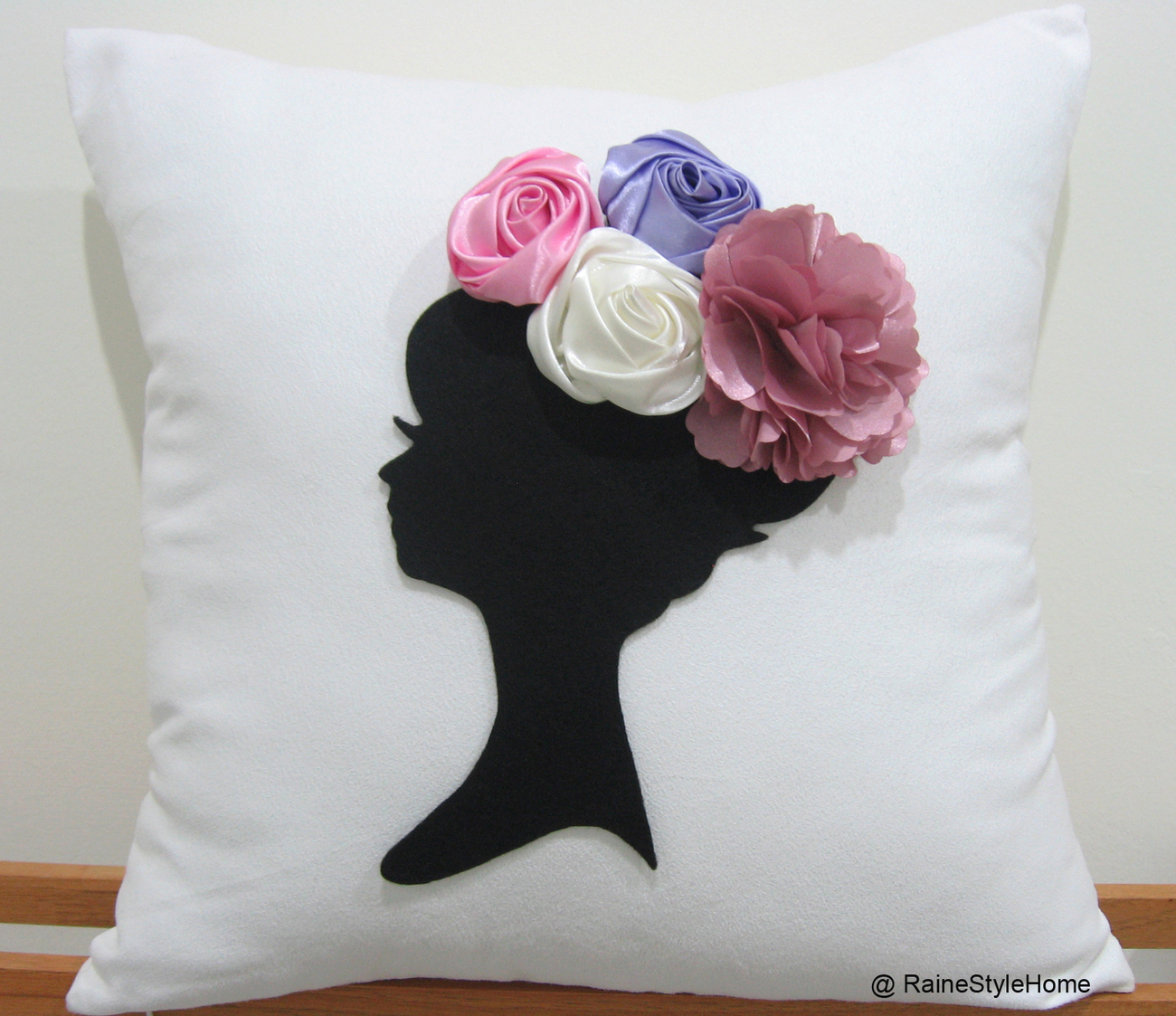 Dreaming of spring cushion white front