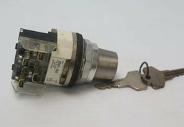 Allen Bradley 800T-J50 Selector Switch With Key Used - $59.39