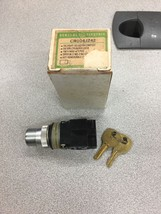New In Box Ge Selector Switch CR104J242 - $27.09