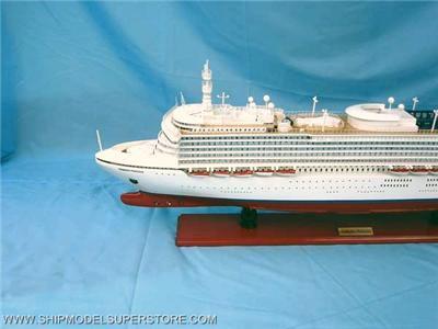 DIAMOND PRINCESS CRUISE SHIP MODEL BOAT WOOD NEW!!