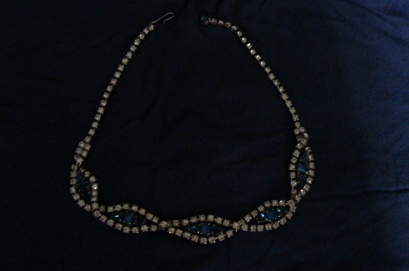 Rhinestone necklace with blue stones