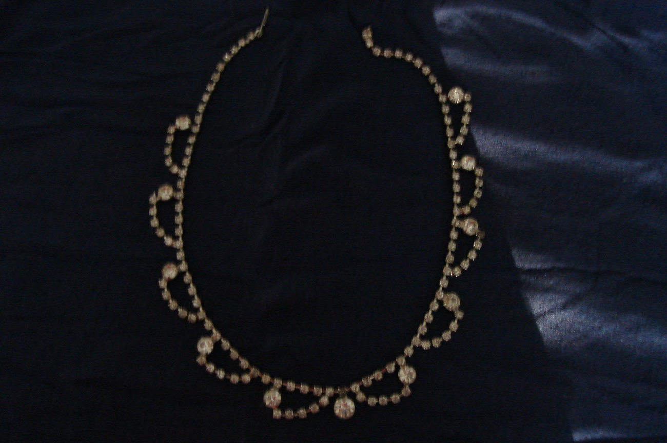 Vintage Rhinestone loop necklace