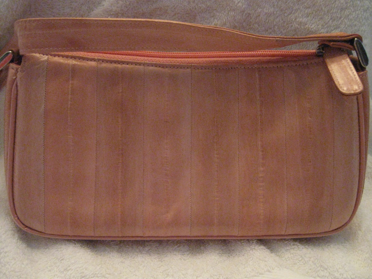EEL SKIN HANDBAG  FROM HAWAII, (new and pink)