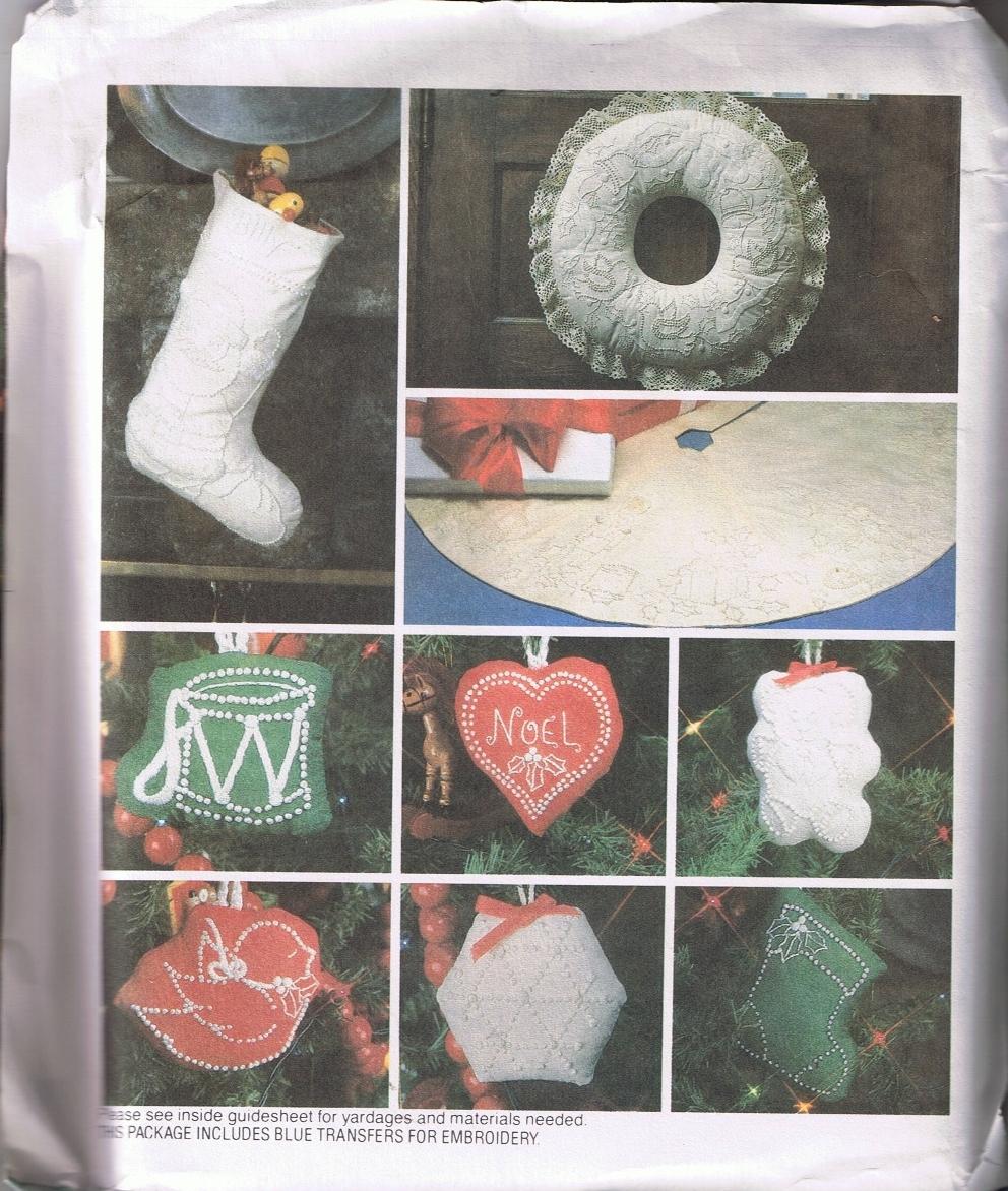 McCalls 8683 Christmas Ornaments, Tree Skirt, Wreath - UNCUT