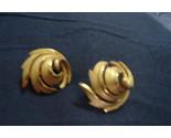Trifari gold earrings thumb155 crop