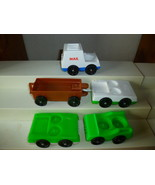 VINTAGE FISHER PRICE LITTLE PEOPLE 5 CARS MAIL ... - $7.50