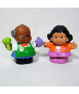 Fisher Price Little People SHOPKEEPER SAM & MOMMY Discovery Village - $7.00