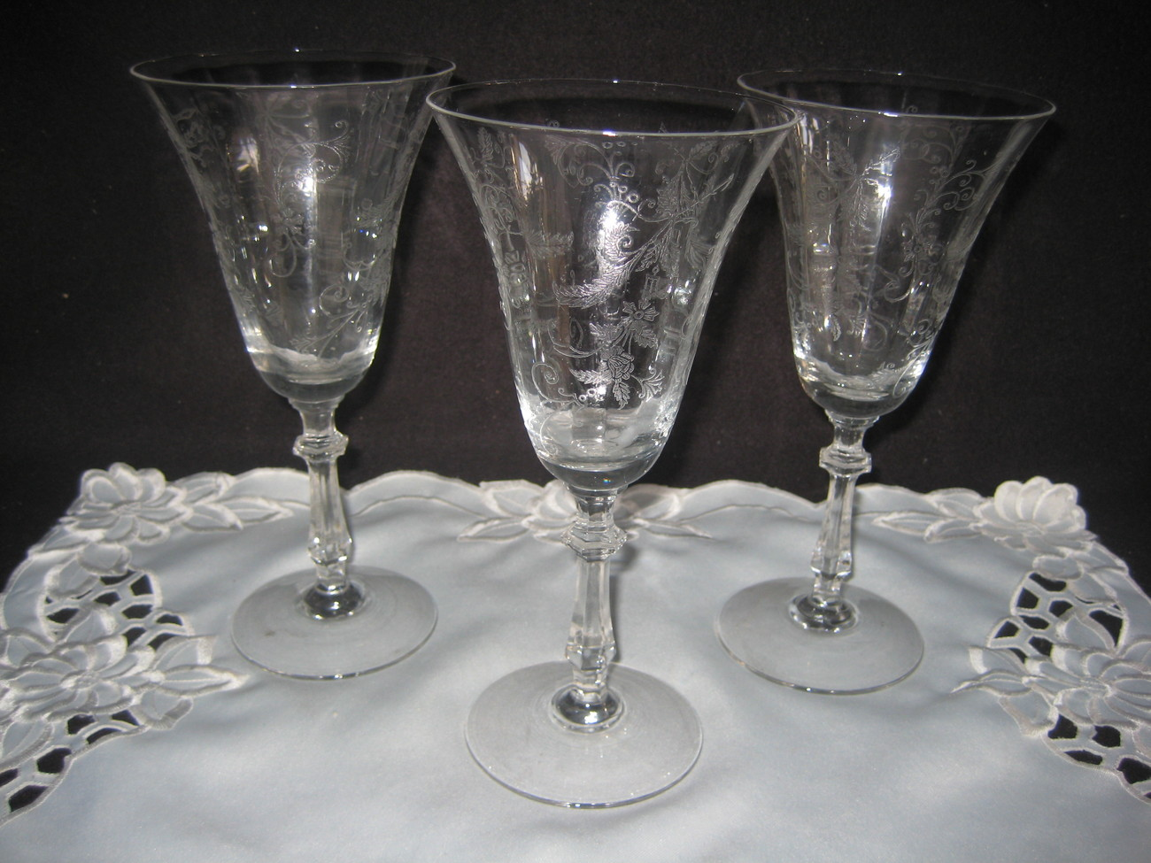 Stunning Crystal Clear Depression Wine Glasses