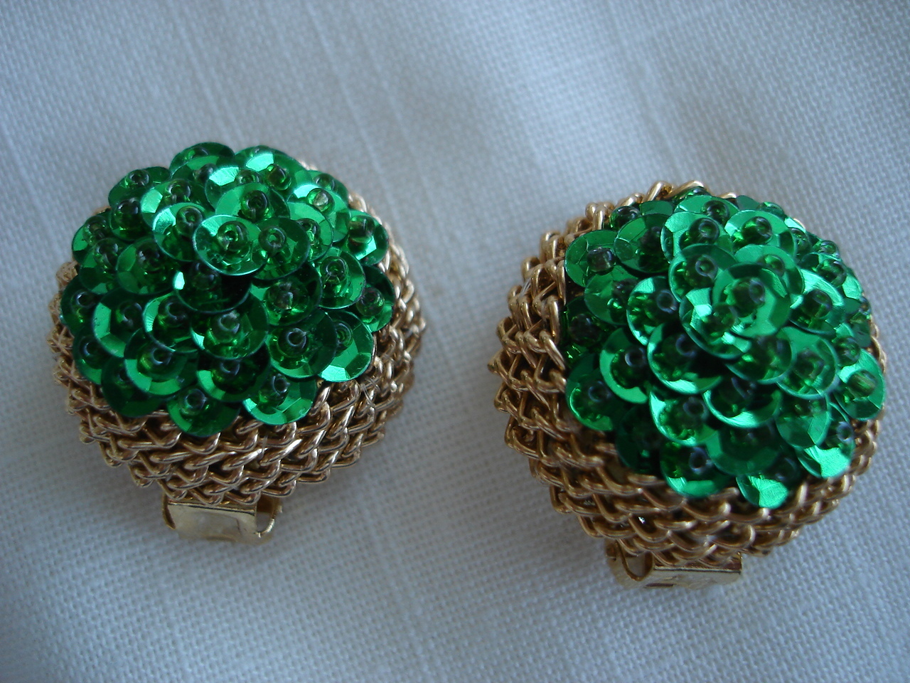 Vintage Goldtone Chain Rim, Green Sequins, Clip Earrings