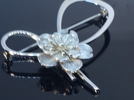 Beau Sterling Silver Brooch pin With Flower - $29.45