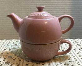 Le Creuset Satin Pink 10 Oz. Tea For One Tea Pot Set Discontinued Color - $20.00