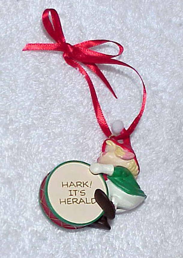 1990 Hallmark Keepsake Ornament HARK! IT'S HERALD