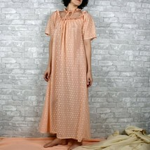 Vintage 50s peach large nightgown, modest 50s sleepwear, vintage peach p... - $31.55