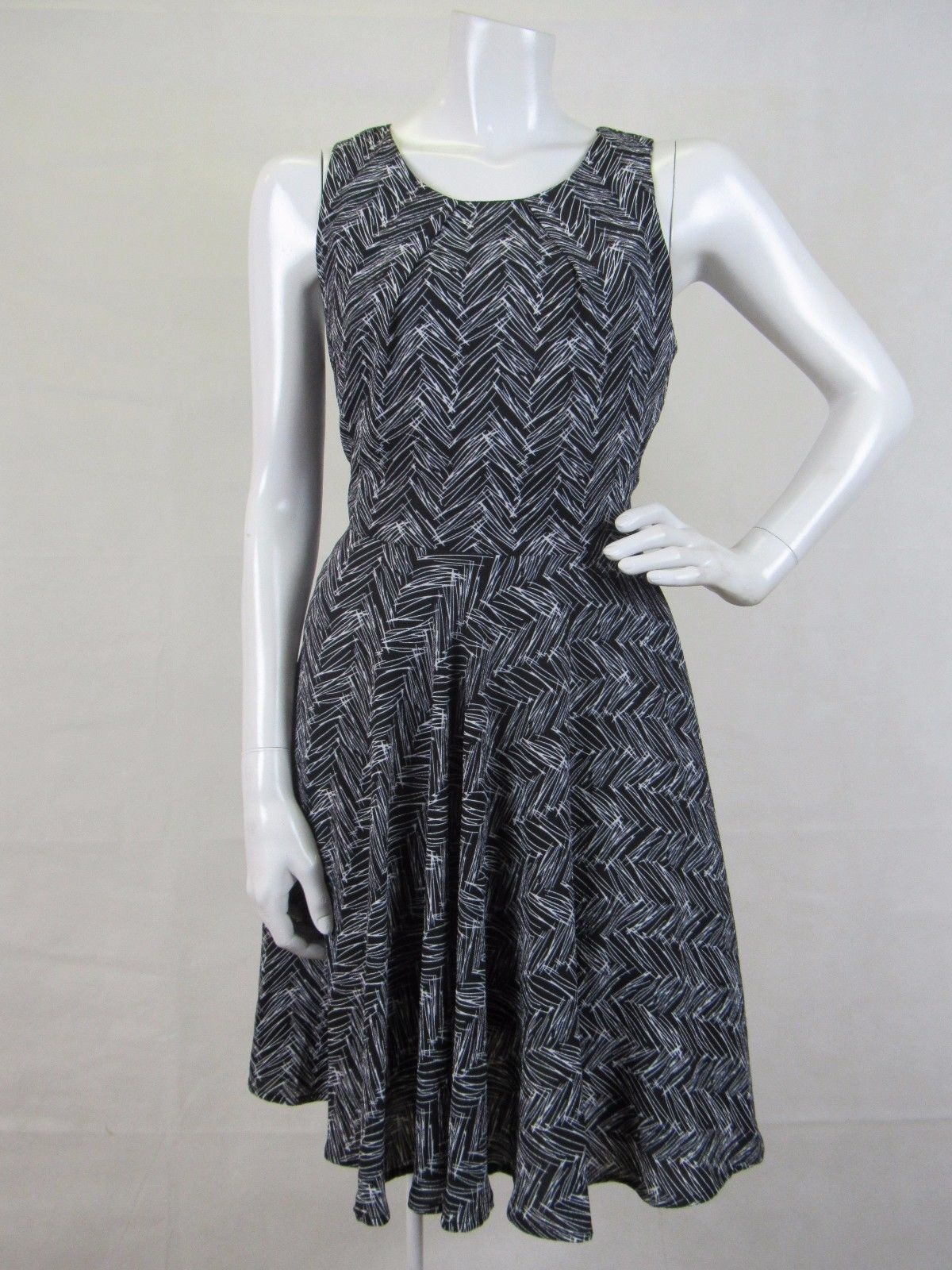 Primary image for 41 Hawthorn Knee Length Dress Stitch Fix Size S-- NWOT $74