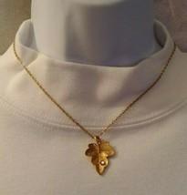 Vintage 1970's Avon Signed Leaf With Rhinestone Dew Gold Tone Necklace 186O8 - $9.89
