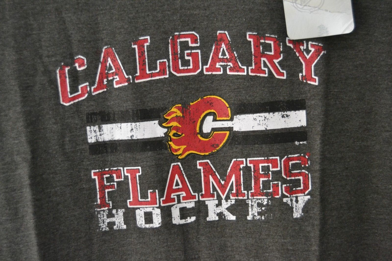 NHL Womens Calgary Flames 3/4 Raglan Sleeve Distress Logo T-Shirt Sz 2X Gray image 2