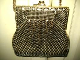 Vintage WHITING & DAVIS Art Deco Evening Bag Gold Mesh Crossbody Kiss Lo... - $66.57