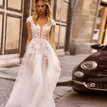 New Style Lace Beach Bridal Gowns V-neck Cap Sleeve Open Back Beautiful Wedding