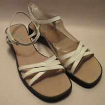 New Dockers Womens 8 1/2M White Leather Strappy Sandals,Padded Insole,We... - $17.78