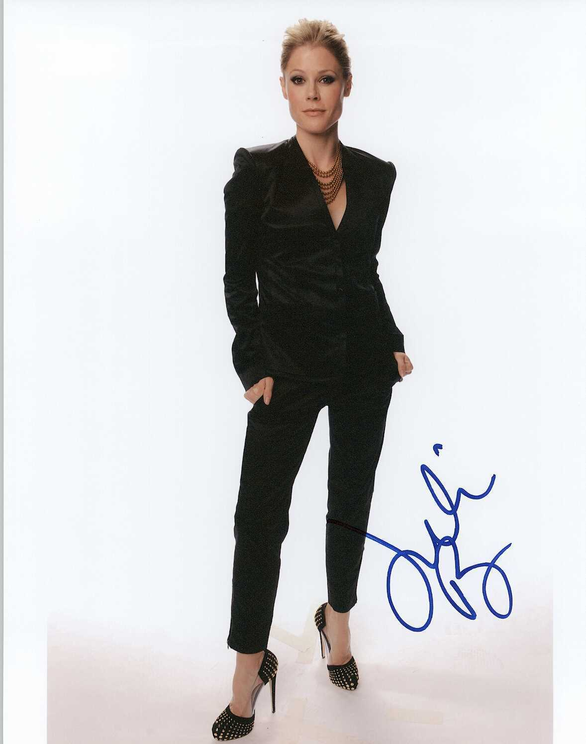 Primary image for Julie Bowen Signed Autographed Glossy 8x10 Photo