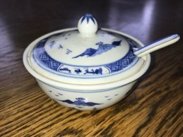 Chinese Lidded Sauce Dish With Spoon Blue & White Vintage Ceramic - $6.10
