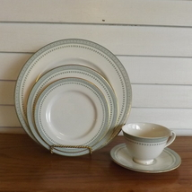 Royal Doulton Berkshire 5-piece Place Setting Vintage Fine Chinaware Dishware - $39.99