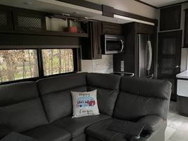 2021 GRAND DESIGN MOMENTUM M-CLASS 395M FOR SALE IN Effingham, IL 62401 image 10