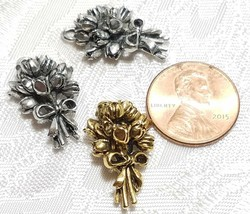 BOUQUET OF FLOWERS FINE PEWTER PENDANT CHARM - 15x24x8mm image 2