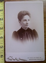 Cabinet Card Pretty Lady Vignette Style Graphics! c.1866-80 - $4.00