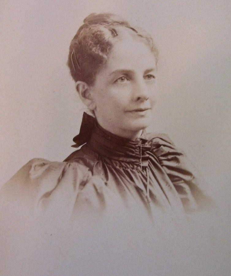 Cabinet Card Pretty Lady Vignette Washington D.C.! c.1890`s
