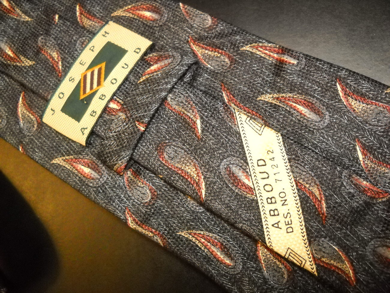 Joseph Abboud Neck Tie Design No 71242 Black Greys Italian Leaves of Browns Gold