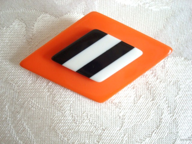 Plastic Diamond Shaped Pin ~ Brooch ~ Orange ~ Black & Whit