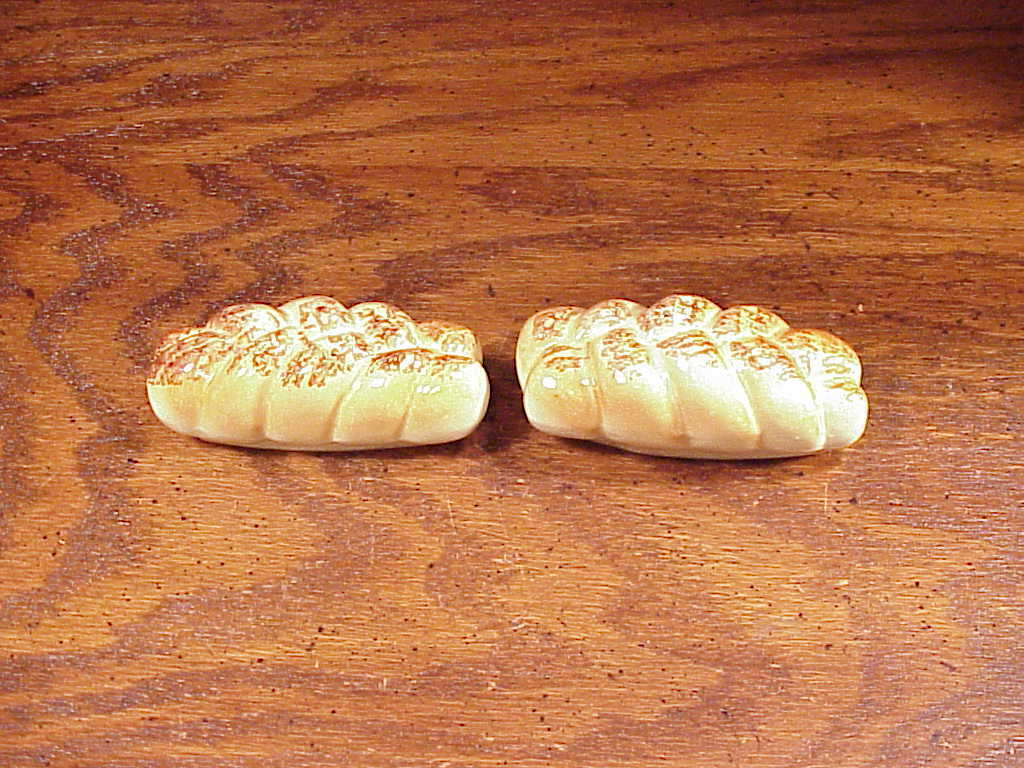 Braided Bread Loaf Ceramic Salt and Pepper Shakers