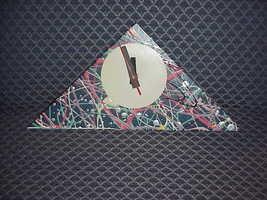 Clo  design clock  qw98 triangle multi thumb200