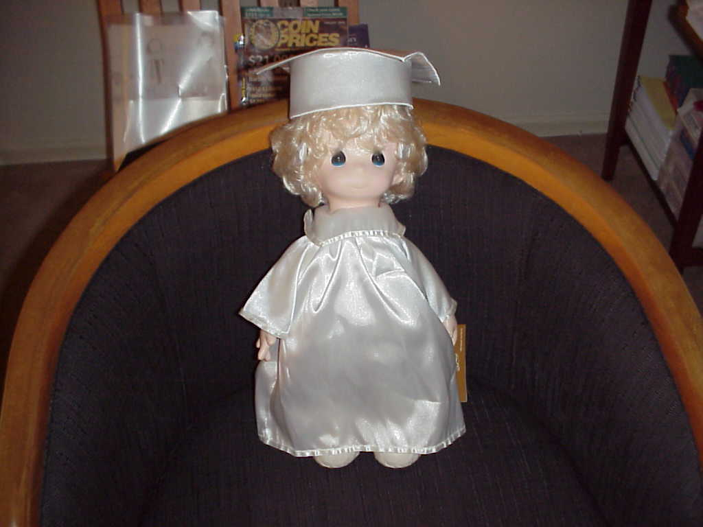 Dolls ,  Precious Moments , Poster , Stand Up , Pauline , Graduate , Lot of 4