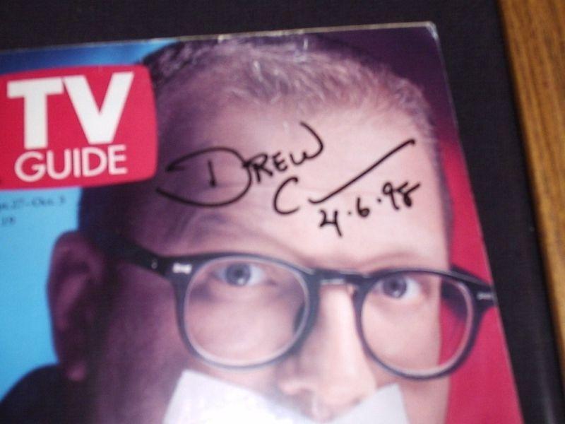 DREW CAREY  SIGNED DATED FRAMED 1998 TV GUIDE